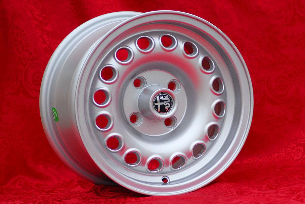 4 Cerchi Alfa Romeo 7x14 ET23 Giulia GT GTA Wheels Felgen